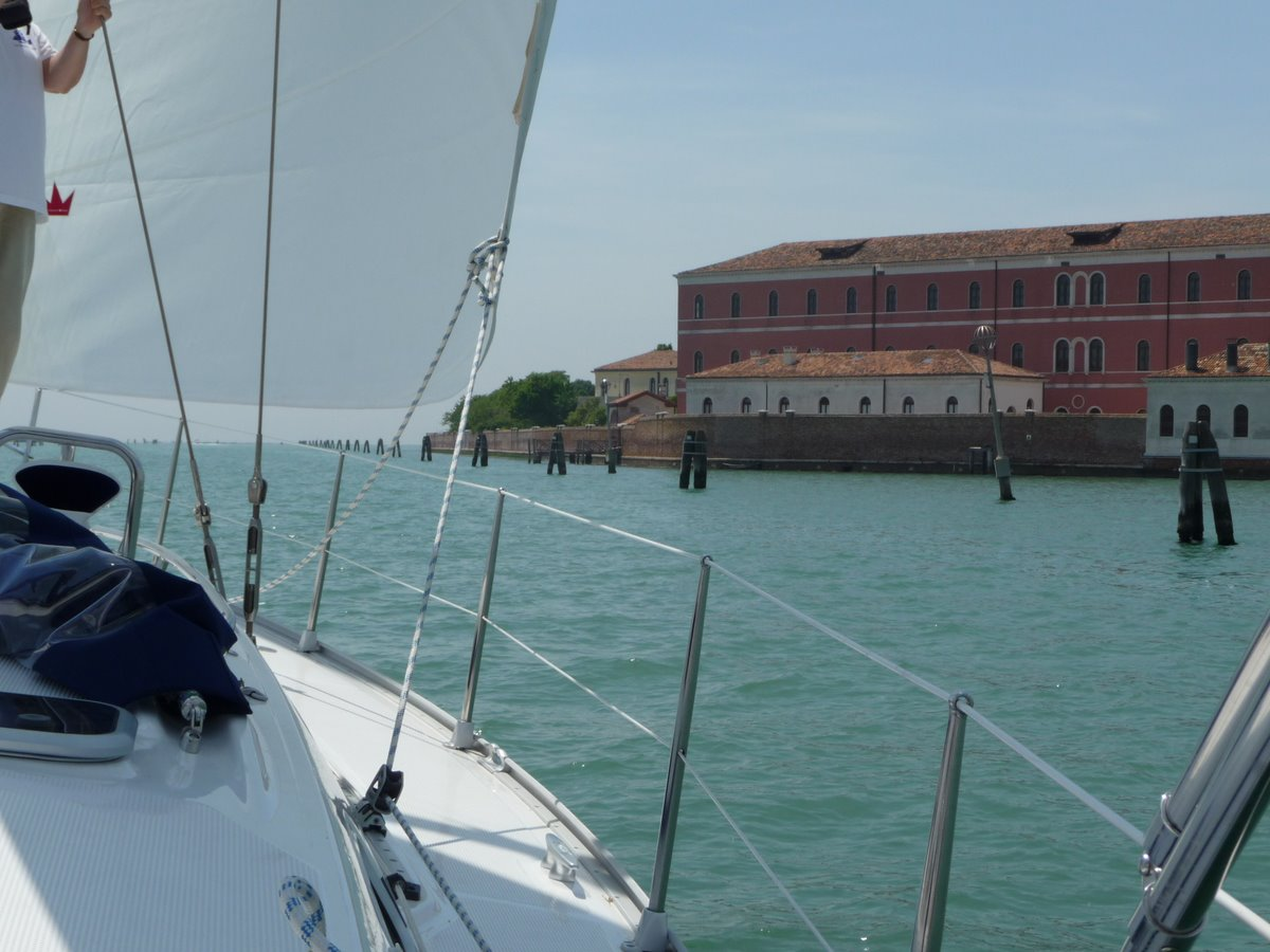 RE_09_Ven_25_route_vers_chioggia.JPG